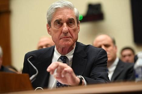 Robert Mueller todistamassa kongressin edessä heinäkuussa 2019.