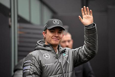 Nico Rosbergilla kulkee Bahrainin testeissä.