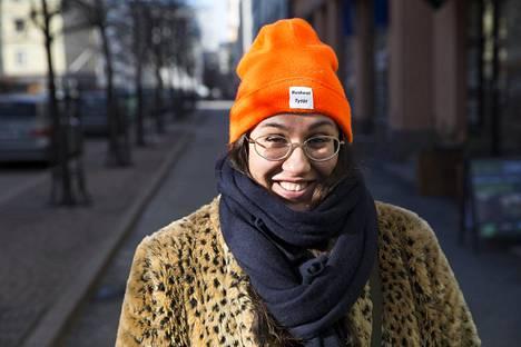 Koko Hubara on vetänyt myös Ruskeat tytöt ry:n kirjoittajakoulua RT LIT Akatemiaa.