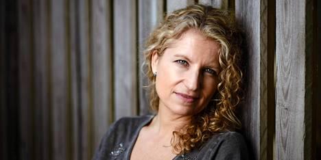Ane Riel voitti romaanillaan vuoden 2016 Lasiavain-palkinnon.