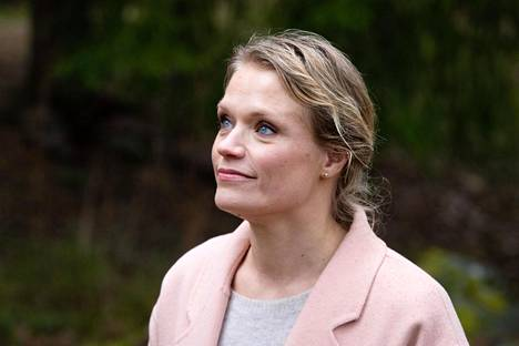 Kouluttajapsykoterapeutti Maaret Kallio vastasi lukijoiden kysymyksiin HS:n Facebook-kanavalla perjantaina.
