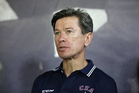 Vjatšeslav Bykov halveksuu jääkiekon MM-kisaisännyyden viemistä Valko-Venäjältä. Kuva kesältä 2014.