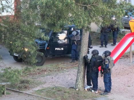 Espoon Mäkkylässä oli maanantai-iltana poliisitehtävä.