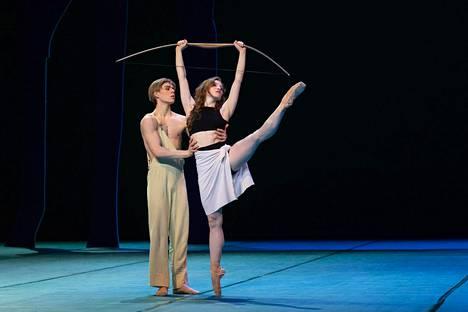 Atte Kilpinen ja Abigail Sheppard Sylvia-baletin rakastavaisina.