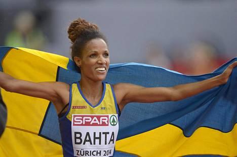 Bahta juhlii naisten 5000 metrin finaalin voittoa Zürichin EM-kisoissa elokuussa 2014.