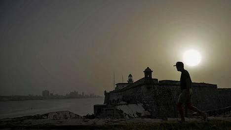 Hiekkapilvi sumensi taivaan keskiviikkona Kuuban pääkaupungissa Havannassa.