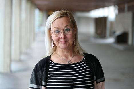 Itäkeskuksen peruskoulun rehtori Jutta-Riina Karhunen kertoo, että toistaiseksi kaikki koulun opettajat aikovat palata takaisin lähiopetukseen.