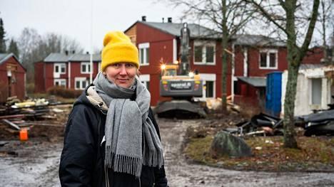 Sanna Mansikkamäki ei ollut tietoinen talojen purkamisesta, vaan sattui paikalle ohikulkumatkalla äitinsä kanssa.