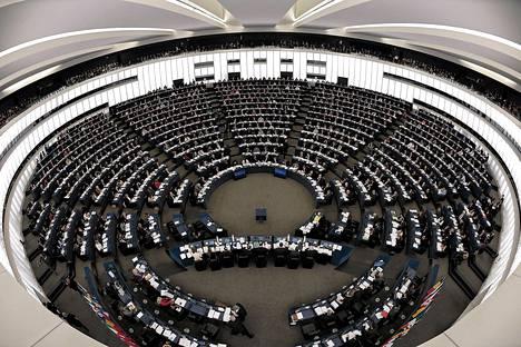EU-parlamentti ei hyväksynyt jäsenmaiden hieromaa sopua EU:n seitsenvuotisesta budjetista,