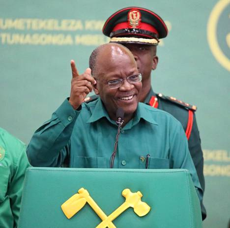 Tansanian presidentti John Magufuli osallistui puoluekokoukseen, jossa hänet valittiin maata hallitsevan CCM-puolueen presidenttiehdokkaaksi heinäkuussa 2020.