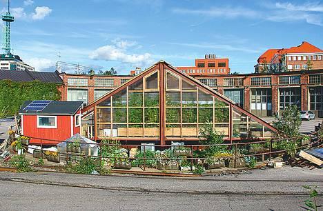 Pasilassa sijaitseva Dodo ry:n Kääntöpöytä on esimerkki uusimmista ympäristöteoista Helsingissä.<BR/>