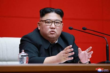 Pohjois-Korean diktaattori Kim Jong-un osallistui puoluekokoukseen Pjongjangissa KCNA:n 11. huhtikuuta julkaisemassa kuvassa.