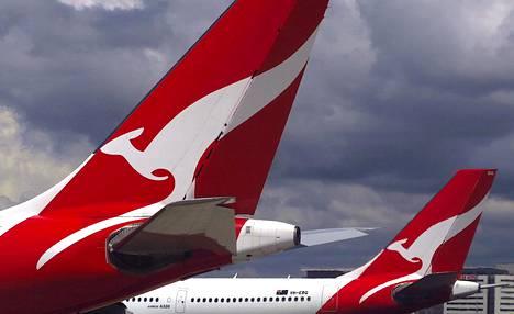Australialaisen Qantasin lentokoneita kuvattuna Sydneyn lentokentällä.