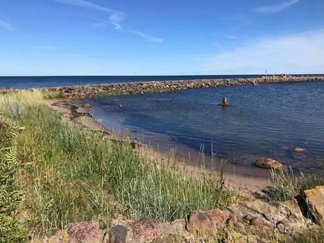 Suursaari sijaitsee Kotkan edustalla. Suomi menetti sen viime sotien jälkeen Neuvostoliitolle.