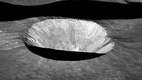 Einmartin kraatteri Kuussa on näyttävä.