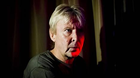 Uusissa kirjoissa käsitellään Matti Nykäsen persoonaa.