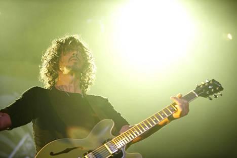 Chris Cornell Soundgardenin keikalla Hartwall-areenalla syyskuussa 2013.