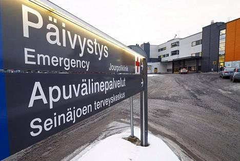 Enemmistö suomalaisista, 66 prosenttia, luottaa oman alueensa julkiseen terveydenhuoltoon. Luottamusta voi sanoa laajaksi kaikissa tutkituissa väestöryhmissä.