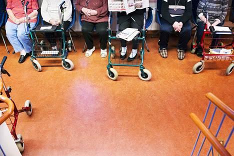 Suomessa on käyty poikkeuksellisen vilkasta keskustelua vanhushoivan tilasta.