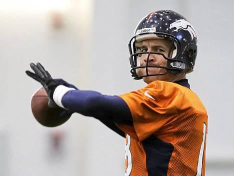 Denver Broncosin Peyton Manningia pidetään elävänä NFL-legendana ja yhtenä liigan kaikkien aikojen parhaista pelinrakentajista.