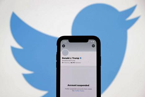 Donald Trumpin Twitter-tili suljettiin 8. tammikuuta, kaksi päivää kongressitalon väkivaltaisuuksien jälkeen.