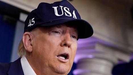 Yhdysvaltain presidentti Donald Trump puhui lehdistötilaisuudessa Washingtonissa lauantaina.