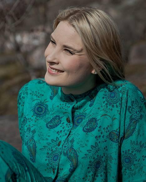Ylen ajankohtaisohjelma Perjantain sekä aamutelevision myötä Rosa Kettumäestä on sukeutunut suorien lähetysten rautainen ammattilainen.