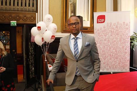 Abdirahim Hussein on Sdp:n valtuutettu Helsingissä.
