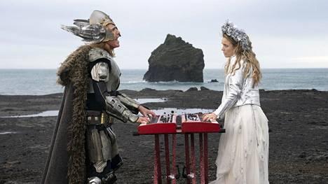 Will Ferrell (vas.) on Lars Erickssong ja Rachel McAdams Sigrit Ericksdottir, Islannin fiktiiviset euroviisutoivot.