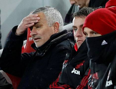 Manchester Unitedin manageri Jose Mourinho hieroi otsaansa viime sunnuntaina pelatussa ottelussa Liverpoolia vastaan.