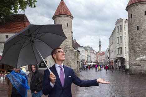 Työ Euroopan investointipankin varapääjohtajana vie Alexander Stubbia viikoittain ympäri Eurooppaa. Tallinnan lisäksi hänen kalenterissaan olivat kuluneella viikolla Bratislava ja Wien.