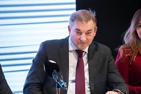 Vladislav Tretjak joutuu jättämään hallituspaikkansa Kansainvälisessä jääkiekkoliitossa.