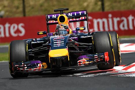 Kuvassa Sebastian Vettelin nykyauto.