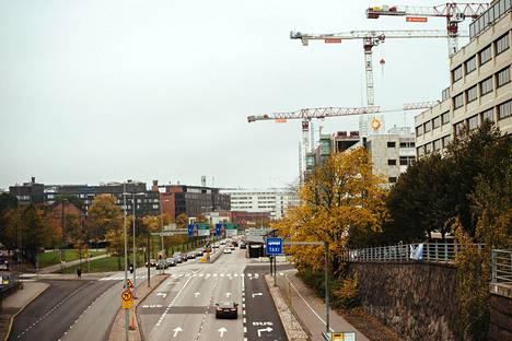 Teollisuuskadun tulevaisuutta pohditaan kaupunkiympäristölautakunnassa.