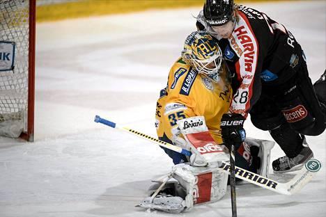 Ensi kaudella Petri Vehanen ei jää Miika Lahden alle SM-liigassa.