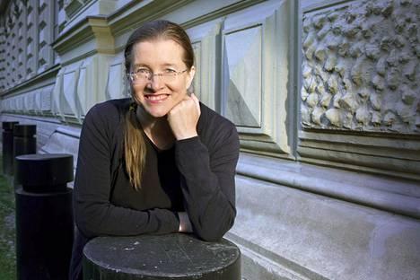 Kirjailija Laura Honkasalo.