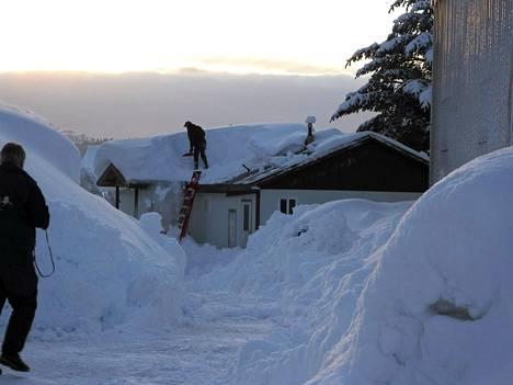 Cordovan kaupunkiin Alaskassa satoi lähes kolme metriä lunta tammikuussa.
