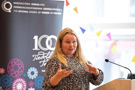 Kati Tiainen työskentelee Microsoftilla globaalin digitaalisen oppimisen strategiajohtajana.