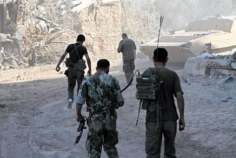 Syyrian armeijan sotilaat järjestäytyivät asemiin Jobarin alueella Damaskoksessa elokuun lopulla.