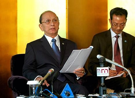 Myanmarin presidentti Thein Sein piti lehdistötilaisuuden vieraillessaan Tokiossa maanantaina.