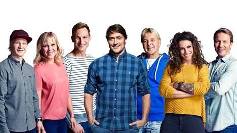 Peetu Piiroinen (vas.), Minea Blomqvist, Sami Hyypiä, Teemu Selänne, Matti Nykänen, Eva Wahlström ja Toni Kohonen matkaavat Las Vegasiin.