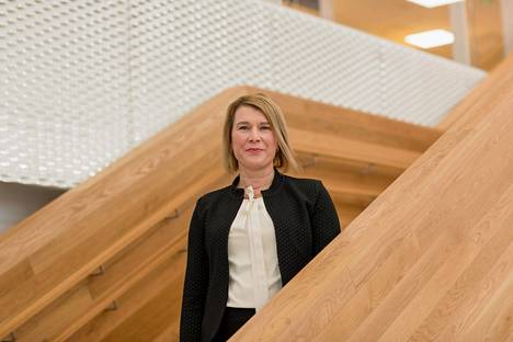 """Espoon perusturvajohtaja Sanna Svahnin mukaan kaupungin sosiaali- ja terveyspalvelut toimivat hyvin. """"Terveyskeskuksiin ovat yleensä tyytymättömiä ne, jotka eivät niitä itse käytä"""", hän sanoo."""