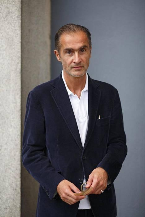 Aris Fioretos (s. 1960) on ruotsalainen kirjailija ja kirjallisuudentutkija.