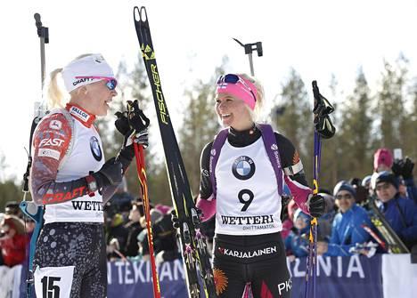 Kaisa Mäkäräinen ja Mari Laukkanen Oulussa 25. maaliskuuta.