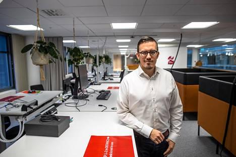 Mikael Ruohonen aloitti syyskuussa datayritys Solitassa. Hän on työskennellyt syksyllä paljon etänä, mutta myös lähes tyhjässä toimistossa.