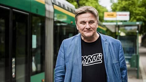 Onnibussin perustaja Pekka Möttö miettii yhä joukkoliikennettä, mutta nyt hän haluaa menestyä maailmalla.