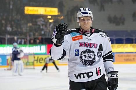 Lauri Tukonen kärsii aivotärähdyksestä ja muista vammoista.