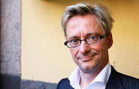 Kansanedustaja Mikael Jungner (sd) vastustaa hallintarekisterin laajentamista. Hänen mielestään se olisi isku avoimuudelle.
