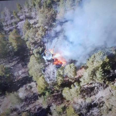Huvila tulee pelastuslaitoksen mukaan tuhoutumaan palossa täysin.