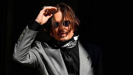 Johnny Depp kuvattuna oikeudenkäynnin aikaan heinäkuussa 2020.